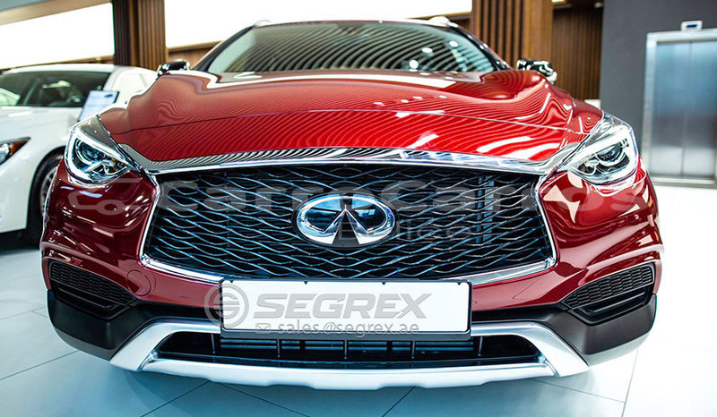 Big with watermark infiniti q30 3